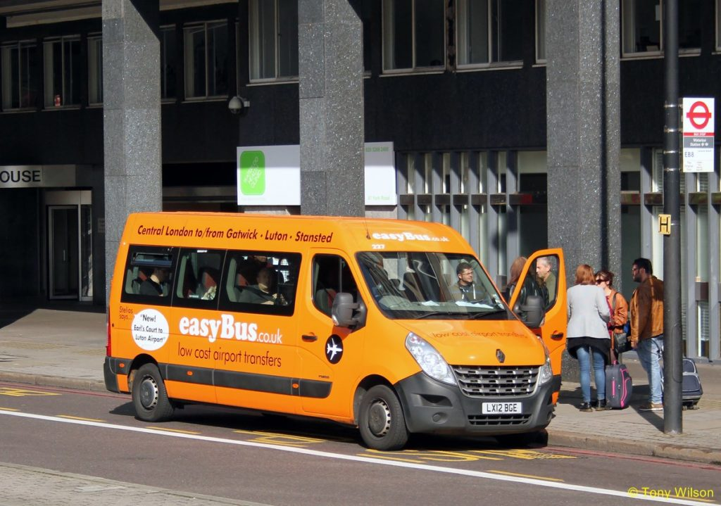 easyBus london station
